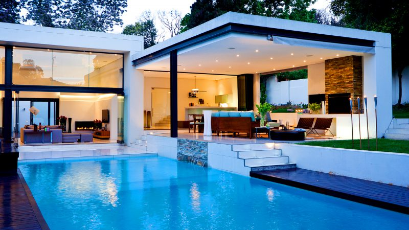 luxury-house-with-pool